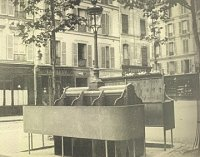 Paris pissoir